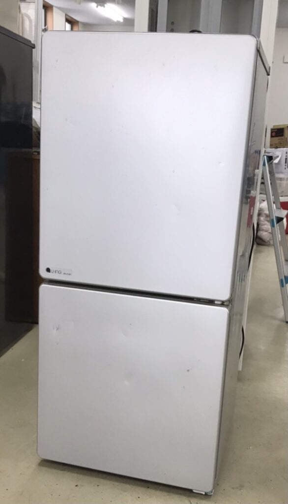 不用品の冷蔵庫の写真